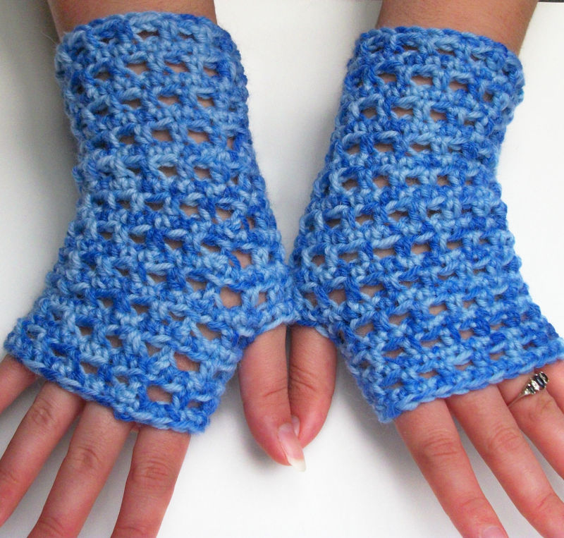 FREE FINGERLESS CROCHET GLOVE PATTERN - Easy Crochet Patterns